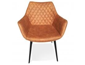 Chaise avec accoudoirs 'CHIGI' gaufrée en microfibre brune et pieds en métal noir