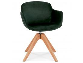 Chaise avec accoudoirs 'BERNI' en velours vert et pieds en bois naturel