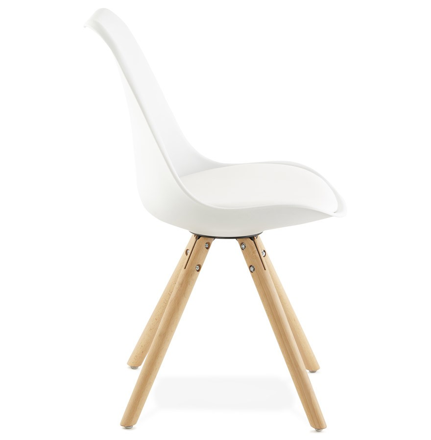 Chaise scandinave gouja blanche chaise design for Chaises blanches scandinaves