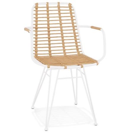 Chaise avec accoudoirs 'BASTIA' en rotin couleur naturelle et métal blanc