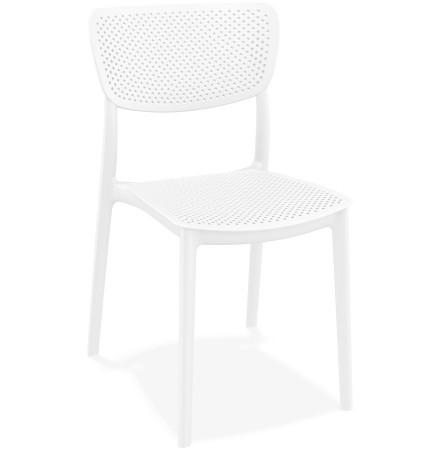 Chaise de terrasse perforée 'PALMA' en matière plastique blanche