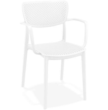 Chaise perforée avec accoudoirs 'TORINA' en matière plastique blanche
