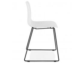 Chaise moderne 'EXPO' blanche avec pieds en métal noir