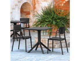 Chaise perforée avec accoudoirs 'TORINA' en matière plastique noire