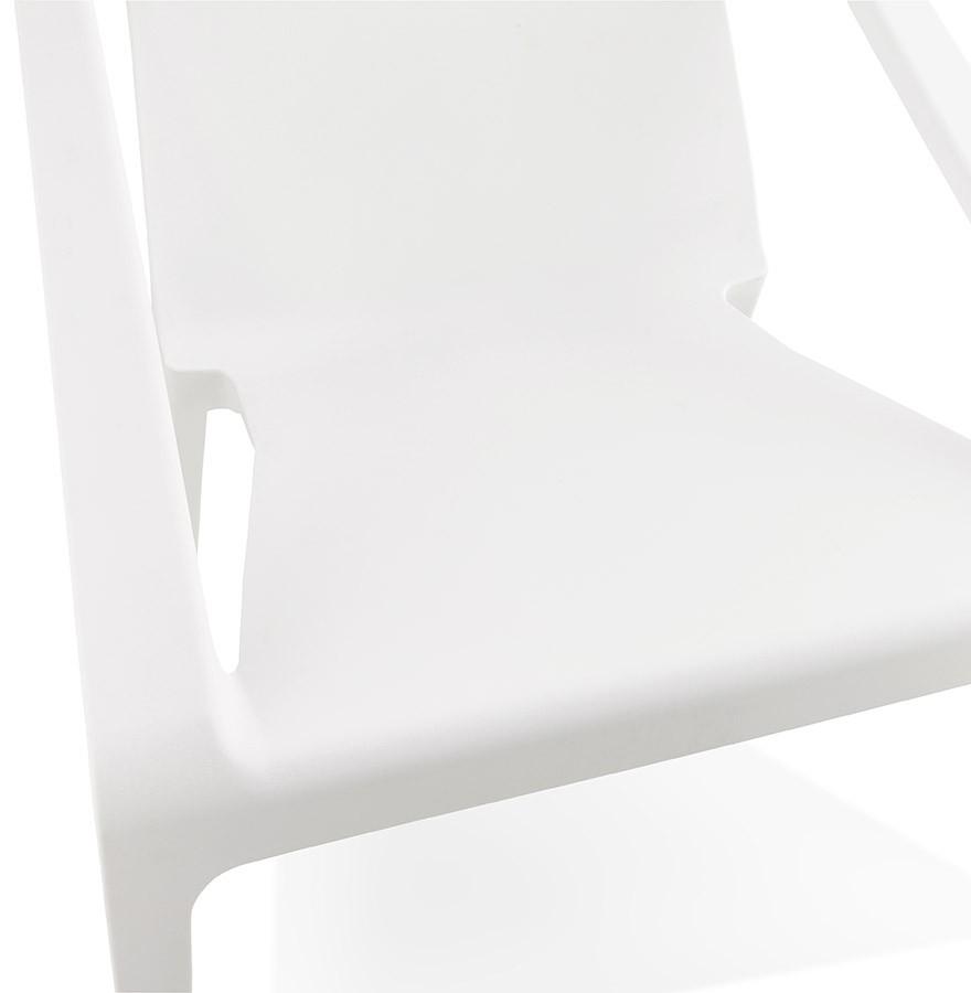 Fauteuil lounge de jardin sunny blanc en mati re plastique - Fauteuil plastique exterieur ...