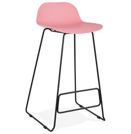 Design barkruk 'BABYLOS' roze industriële stijl met zwart metalen voeten