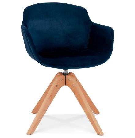 Stoel met armleuningen 'BERNI' van blauwe velours en poten van natuurlijk hout