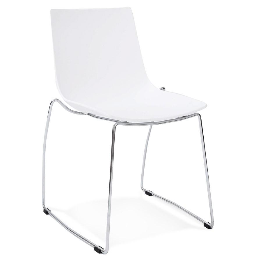 Witte design stoel treno in kunststof moderne stoel for Witte kunstof eetkamerstoelen