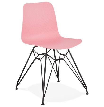 Design stoel 'GAUDY' roze industriële stijl met zwart metalen voet