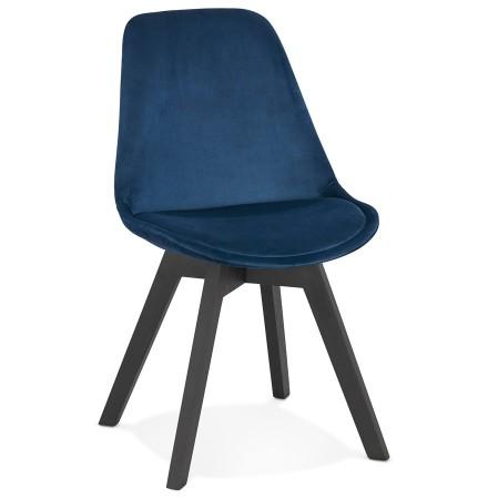 Stoel in blauw fluweel 'JOE' met structuur in zwart hout
