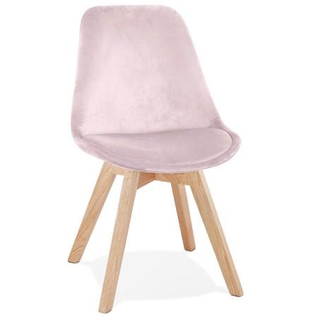 Stoel in roze fluweel 'JOE' met structuur in natuurkleurig hout