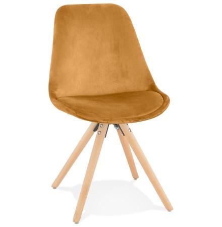 Vintage stoel 'RICKY' in mosterd fluweel en poten in natuurkleurig hout
