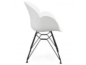 Witte designstoel 'SATELIT' met een industriële stijl