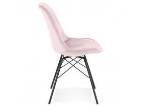 Design stoel 'ZAZY' van roze fluweel met zwarte metalen poten