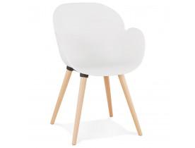 Witte stoel met Scandinavisch design 'PICATA' met houten poten