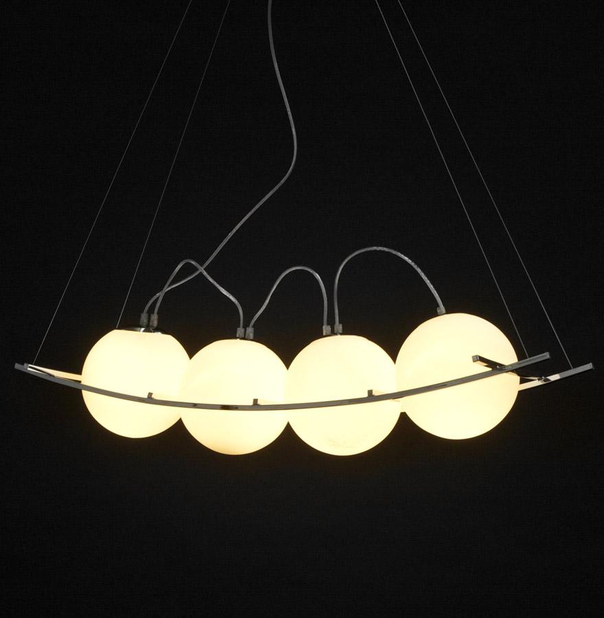 Suspension design ´ELEKTRA´ avec 4 boules en verre et structure en acier