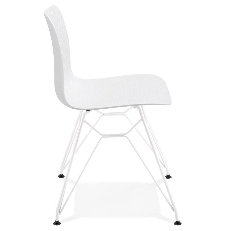 Chaise moderne ´GAUDY´ blanche avec pied en métal blanc