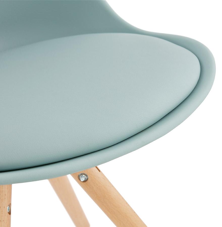 Schandinavische stoel gouja blauw design stoel - Scandinavische blauwe ...