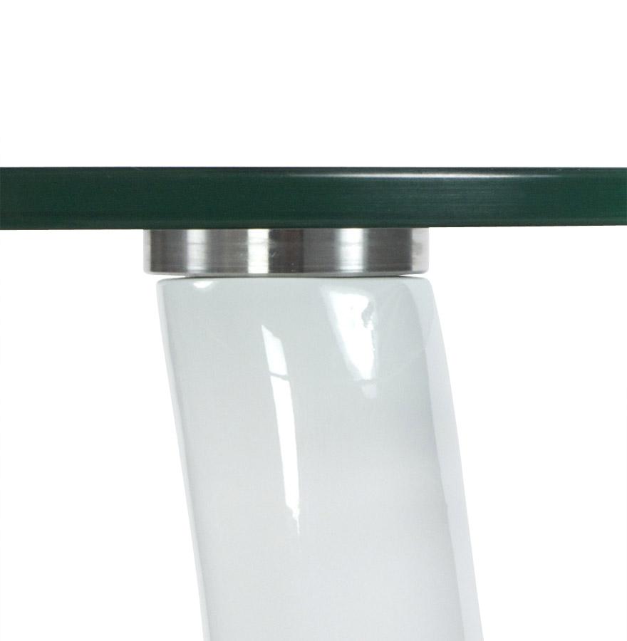 design bijzettafel koma uit doorzichtig glas en wit gelakte voet. Black Bedroom Furniture Sets. Home Design Ideas