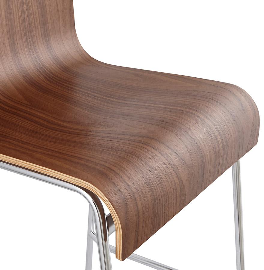 Tabouret haut ´KWATRO´ empilable en bois finition Noyer sur 4 pieds