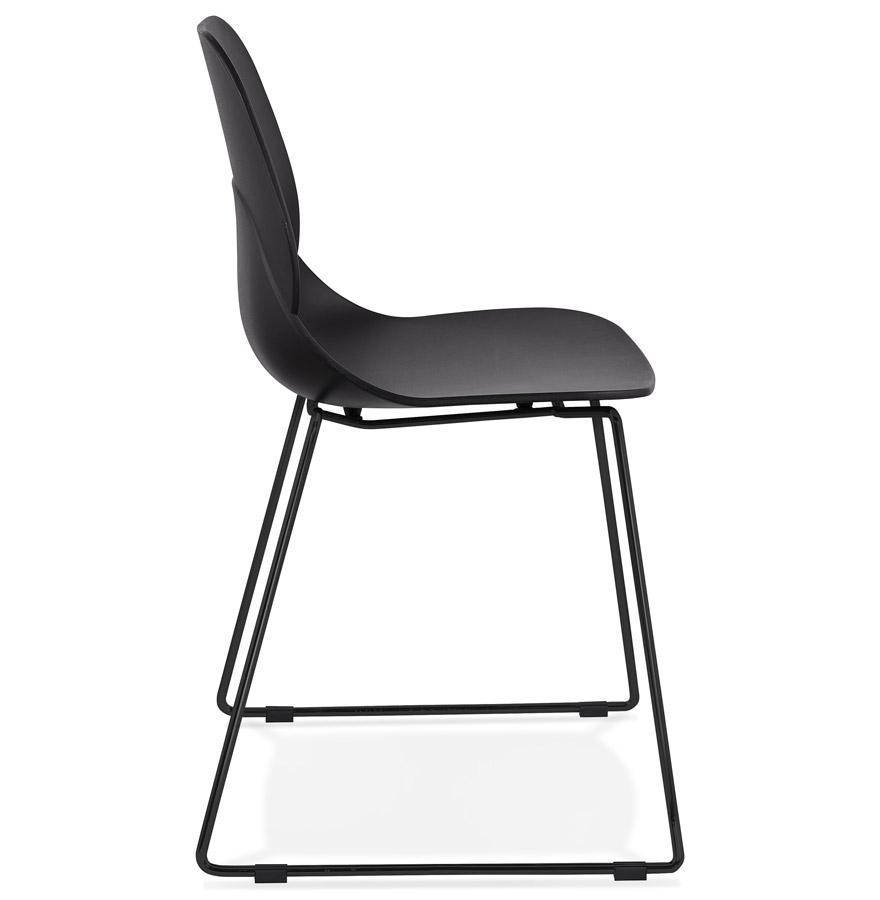 Chaise design ´NUMERIK´ noire avec pieds en métal noir