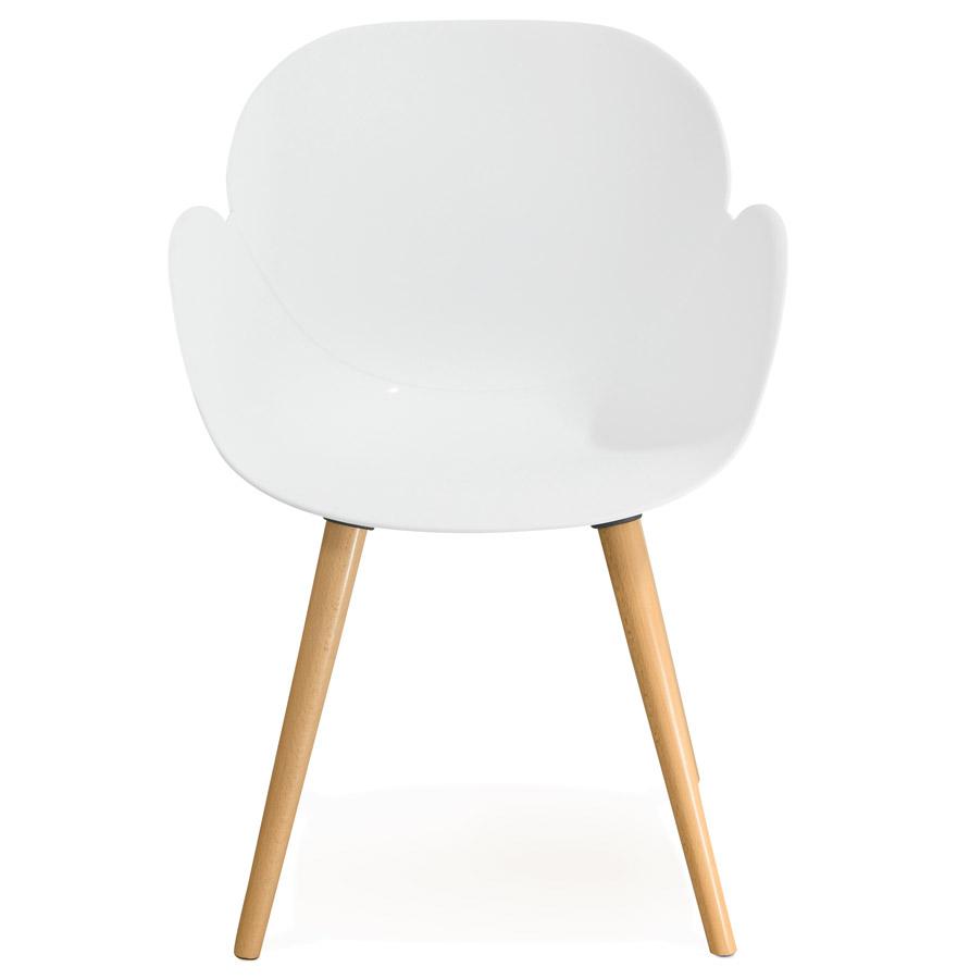 Chaise design scandinave ´PICATA´ blanche avec pieds en bois