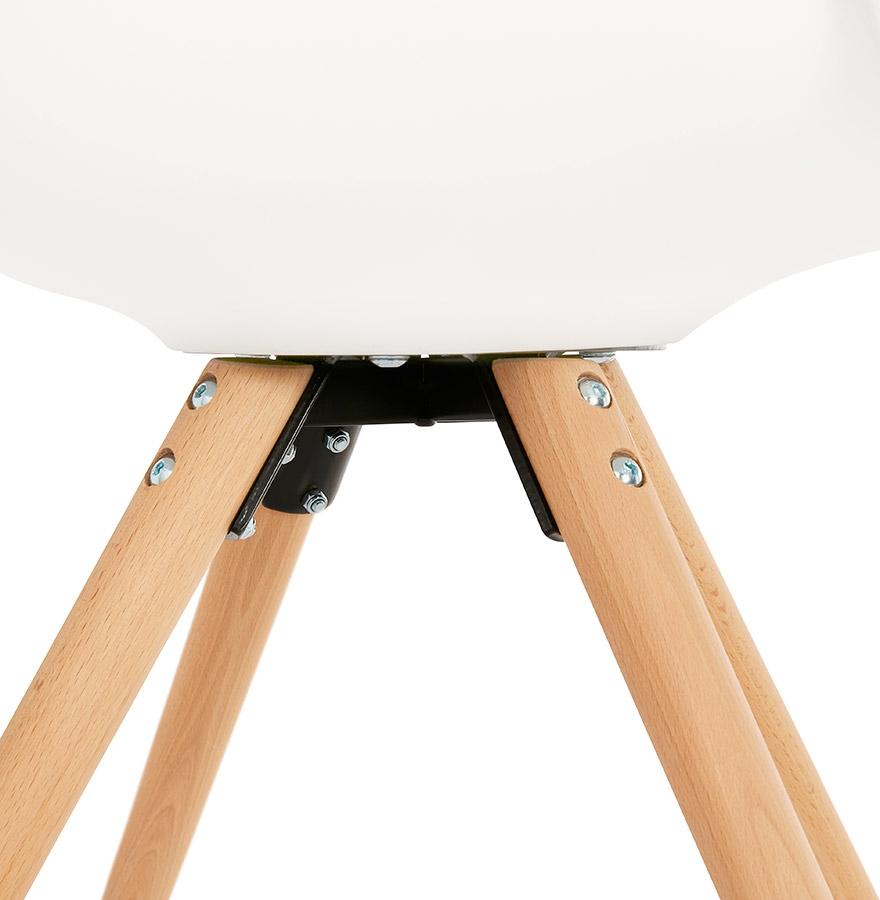 stoel met armleuningen zalik wit scandinavische stoel. Black Bedroom Furniture Sets. Home Design Ideas