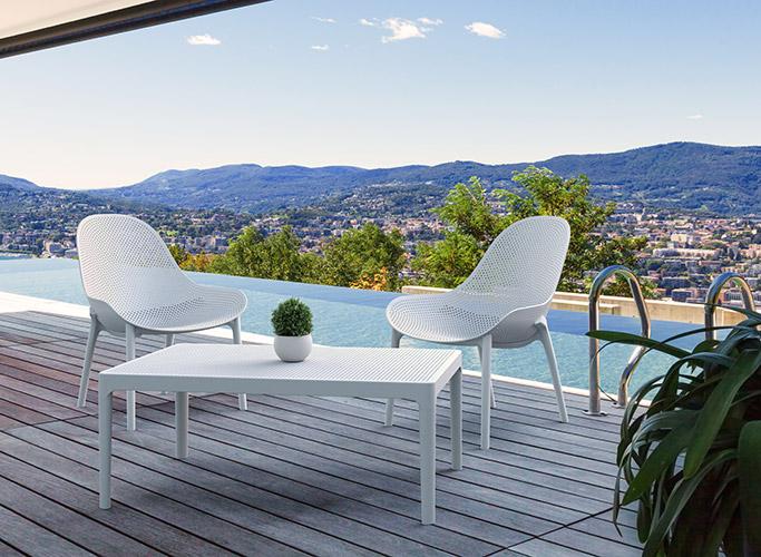 Avez-vous les chaises et tables de jardin adéquats pour inviter amis et famille sur la terrasse ?