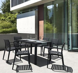 Table de jardin ENOTECA avec ses chaises ULTIMO et PRIMO