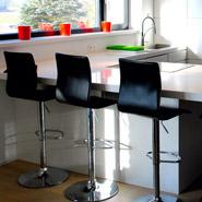 Zwarte ALTO kruk - keuken