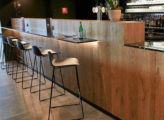 Hauteur des tabourets de bar - Alterego Design