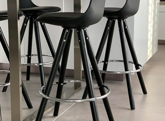 Les tabourets avec repode-pieds - Alterego Design