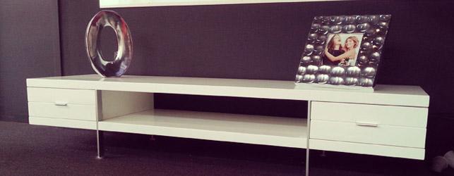 Welk tv-meubel kiezen om uw woonkamer te verfraaien?